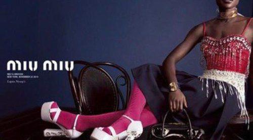 Elle Fanning y Lupita Nyong'o posan para la nueva campaña estival de Miu Miu