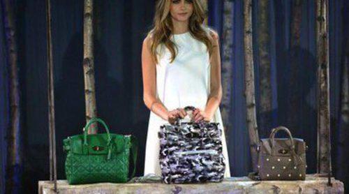 Cara Delevingne diseña su propia línea de bolsos junto a Mulberry