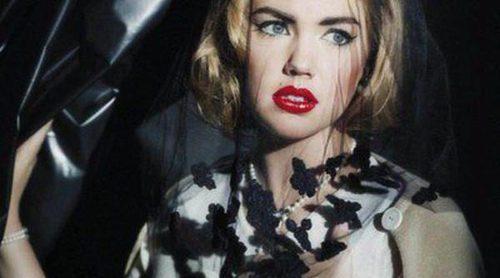 Kate Upton deja a un lado las fotografías en bikini y posa muy recatada para Karl Lagerfeld
