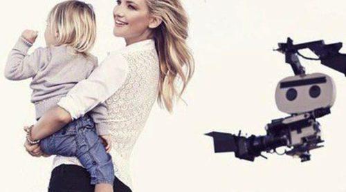 Kate Hudson posa junto a sus hijos para la nueva campaña de publicidad de Ann Taylor