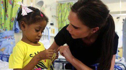Victoria Beckham se une a las 21 diseñadoras para luchar contra el VIH en la campaña 'Born Free Africa'