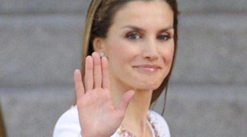 La Reina Letizia: de blanco y de Felipe Varela durante la proclamación de Felipe VI