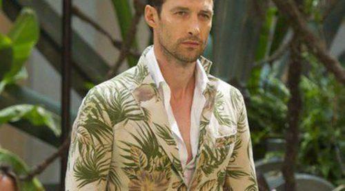 Beige y estampado tropical, las propuestas de Emidio Tucci para primavera/verano 2015