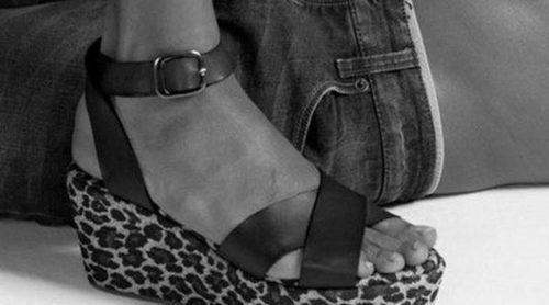 Cuñas, plataformas de madera y sandalias: los imprescindibles de Lois para verano 2014