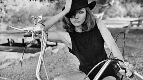 Karlie Kloss se convierte en una sexy 'cowgirl' para la nueva campaña de Tamara Mellon