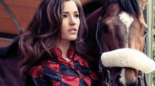 Malena Costa se pone ecuestre en la campaña otoño/invierno 2014/2015 de Refresh