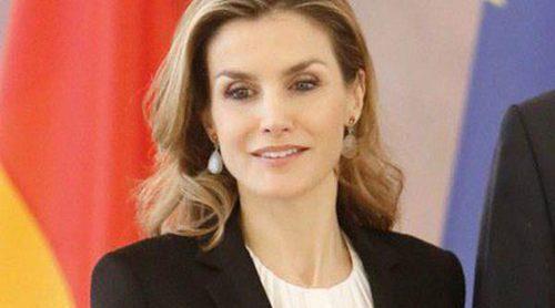Rojo, blanco y negro: el trío ganador con el que la Reina Letizia visitó Alemania