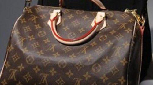 Louis Vuitton demanda a Warner Brothers por mostrar uno de sus bolsos falsificados