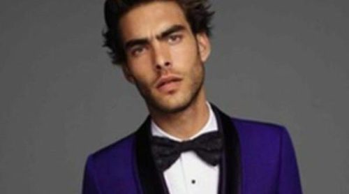 Jon Kortajarena, icono de elegancia para la nueva campaña de Roberto Cavalli