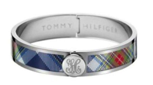 El estampado tartán se hace joya con los nuevos brazaletes de Tommy Hilfiger