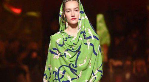 Patchwork y trampantojos en la colección de Alta Costura de Schiaparelli para la primavera/verano 2015