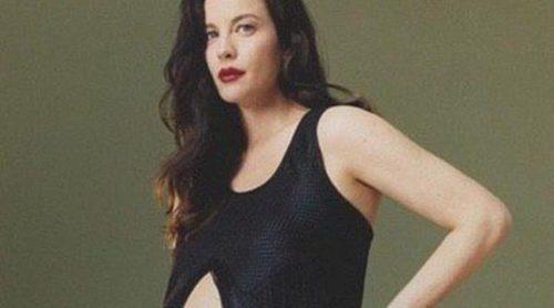 Liv Tyler luce su embarazo en la nueva campaña de Proenza Schouler