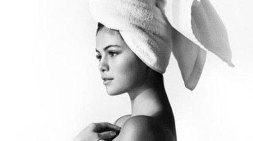 Selena Gomez es la nueva protagonista de la serie fotográfica 'Towel Series' de Mario Testino