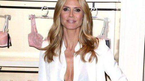 Heidi Klum promociona su nueva lencería metiéndose en la cama con Pedro Pascal