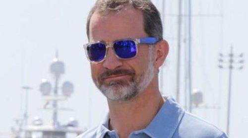 El Rey Felipe se apunta a la última moda: gafas polarizadas para sus vacaciones en Mallorca