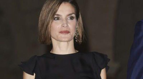 La Reina Letizia rompe moldes: del sporty chic a las transparencias en Mallorca