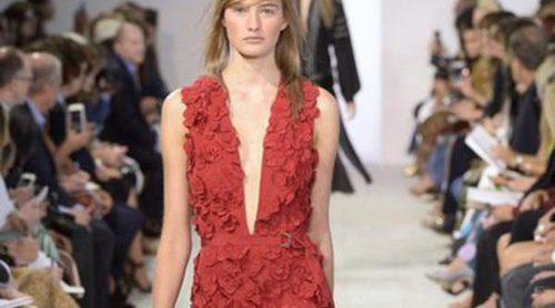 Michael Kors presenta su colección en la Nueva York Fashion Week con creaciones que sugieren comodidad y naturalidad