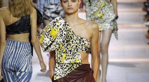 El león: protagonista del extravagante desfile de Roberto Cavalli en Milan Fashion Week