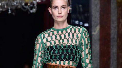 Volantes y mallas protagonizan el 'celeb-desfile' de Balmain en Paris Fashion Week