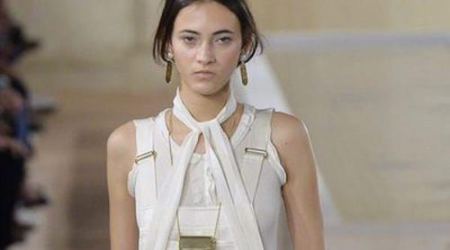 Alexander Wang se despide de Balenciaga poniendo en blanco la Paris Fashion Week