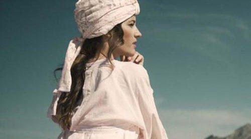 El turbante solidario de Charo Ruiz, Rosebell y Malena Costa para luchar contra el cáncer de mama