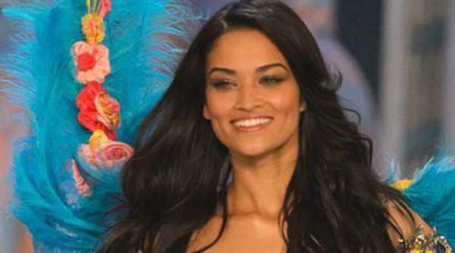 Shanina Shaik, la angelita intermitente vuelve al Victoria's Secret Fashion Show