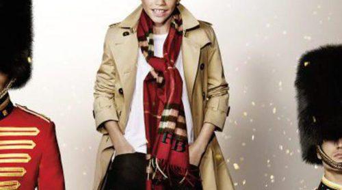 Romeo Beckham se convierte en Billy Elliot para conquistar la Navidad con Burberry