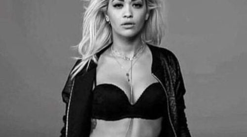 Rita Ora presume de curvas en la campaña de Tezenis más sexy