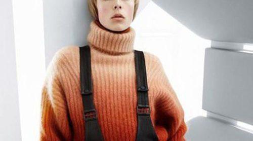Edie Campbell presenta las carismáticas prendas que completan la colección más lujosa de H&M