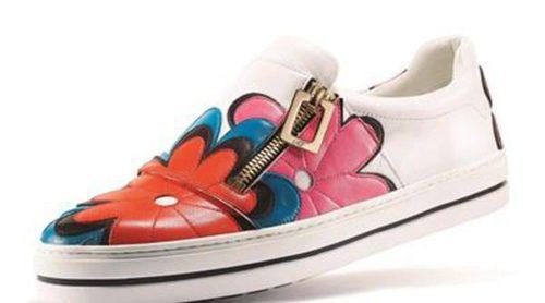 Roger Vivier presenta su colección de zapatillas 'Sneaky VIV' en clave deportiva y con la icónica hebilla de la casa