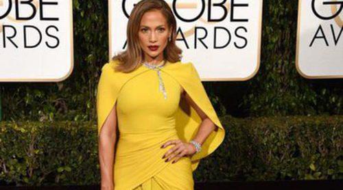 Jennifer Lopez repite un año más en la lista de las peor vestidas en la alfombra roja de los Globos de Oro 2016