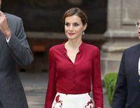 Felipe Varela, el diseñador de la Reina Letizia, vuelve a las pasarelas tras 12 años de parón
