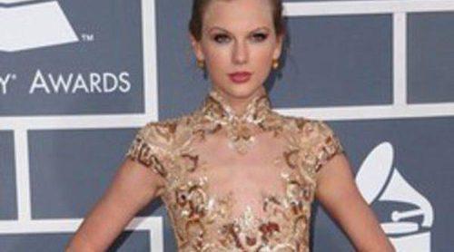 Adele y Taylor Swift brillan en los Grammy 2012 frente al desacierto de Fergie y Nicki Minaj