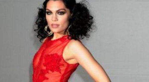 El look de Jessie J supera el estilo de Rihanna y Lana del Rey en los Premios Brit 2012