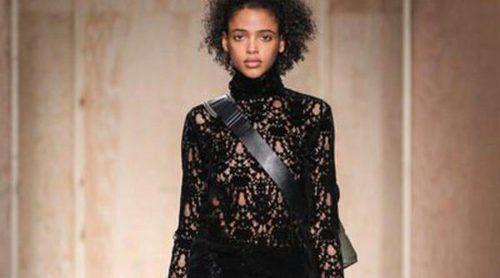 DKNY representa la pureza de líneas y los tonos neutros para una mujer más natural en otoño/invierno 2016/2017