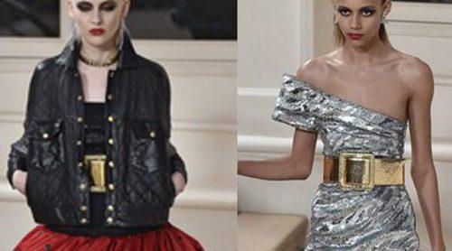 Saint Laurent mete a Paris Fashion Week en una máquina de tiempo con destino los 80's