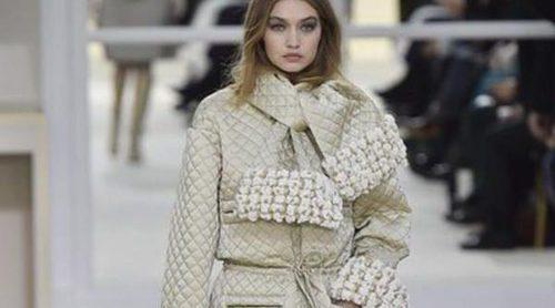 Chanel presenta su colección otoño 2016 en la Paris Fashion Week con un trío ganador