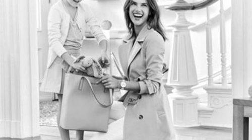 Alessandra Ambrosio posa entrañable con su hija Anja en la campaña de Michael Kors
