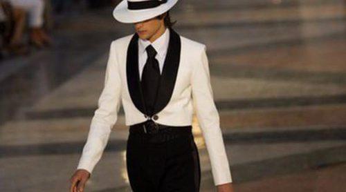 Karl Lagerfeld triunfa en el Paseo del Prado con su colección Crucero 2017