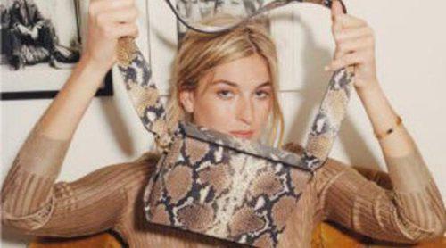 La bloguera Camille Charrièrre seduce la nueva colección de verano 2016 de Uterqüe