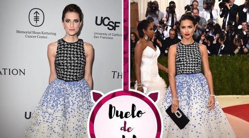 Adriana Lima y Allison Williams: enfrentadas por un vestido de Valli