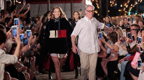 El estilo navy otoño/invierno 2016 de Tommy Hilfiger y Gigi Hadid conquistan Nueva York Fashion Week
