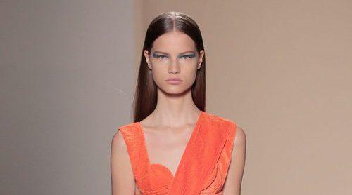 Victoria Beckham sorprende en Nueva York Fashion Week apostando por el terciopelo para primavera/verano 2017
