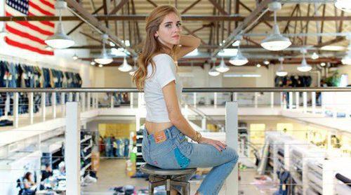 Chiara Ferragni rediseña el clásico pantalón vaquero 501 de Levi's