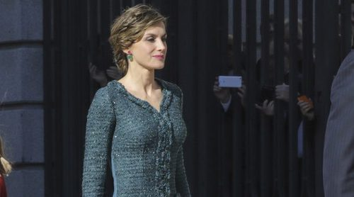 La Reina Letizia repite look de Felipe Varela en la Apertura de la XII Legislatura