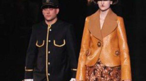 Louis Vuitton y Elie Saab cierran la Semana de la Moda de París con elegancia del pasado y del futuro