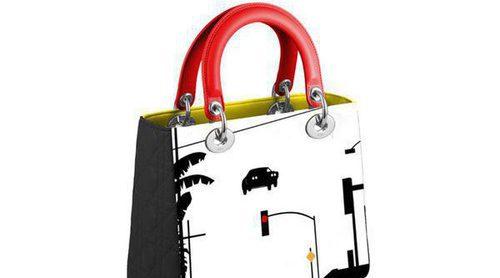 Dior decora su icónico bolso 'Lady' con estampados artísticos y contemporáneos únicos