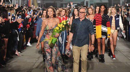 'Tommyland', un desfile sobre la nueva manera de vivir la moda por Tommy Hilfiger y Gigi Hadid