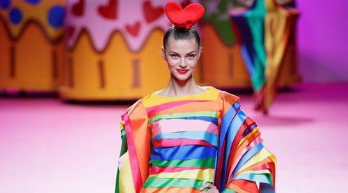 Ágatha Ruiz de la Prada recrea una gran fiesta sobre la pasarela de la Madrid Fashion Week