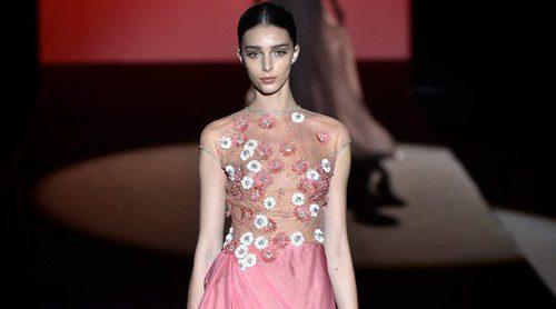Hannibal Laguna convierte la pasarela en un jardín floral con la colección otoño/invierno 2017/2018 de Madrid Fashion Week